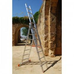 Escalera aluminio plegable multiuso 3 tramos.  Vista modo tijera